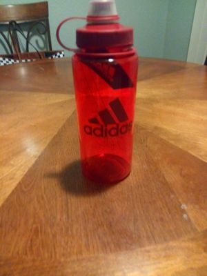 ADIDAS WATER BOTTLE NEW for Sale in Morada, CA