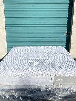 King Mattress Only (Casper Wave Hybrid) BRAND NEW for Sale in Buena Park,  CA