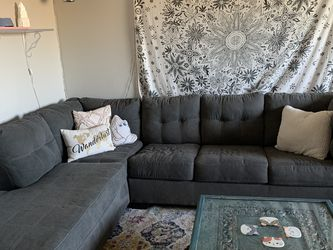 L Shaped Pull Out Couch for Sale in Tempe,  AZ