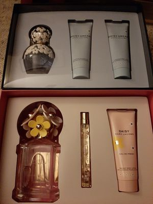 New! 2 Marc Jacobs Daisy eau so fresh and Daisy Dream gift sets for Sale in Advance, NC