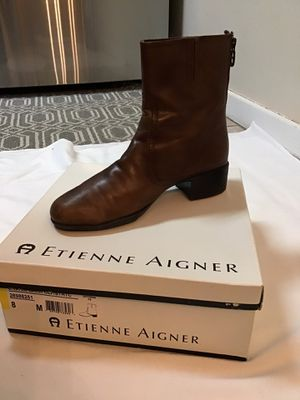 Women's ETIENNE AIGNER 100% leather brown ankle boots… Size 8M for Sale in Brielle, NJ