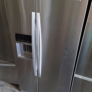 Kitchen Aid Side By Side Refrigerator for Sale in Perris, CA