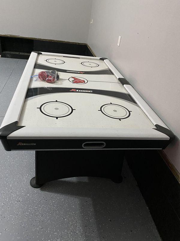 Regulation sized Air hockey Table