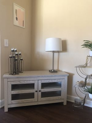 Tv console for Sale in Lakeland, FL