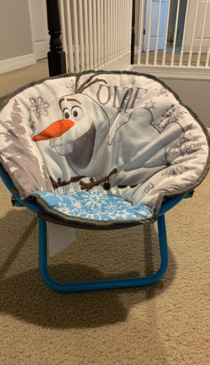 Olaf folding toddler chair for Sale in Tampa, FL