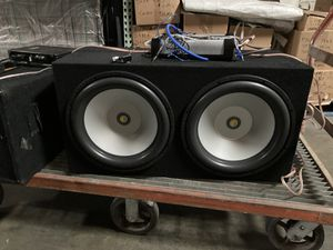 2 15 inch Subwoofers with custom built box with 4000 Watt Amp for Sale in Piedmont, CA