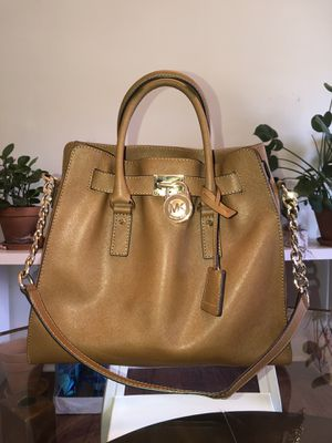 Michael Kors Hamilton Extra Large Tote for Sale in Los Angeles, CA