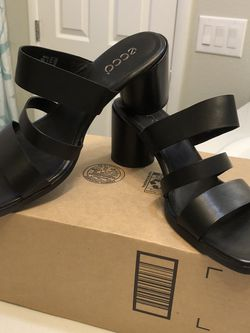 Ecco Shape 65 Block Black Leather Women's Sandal - Size EU 41- 10-10'5NEW for Sale in North Las Vegas,  NV