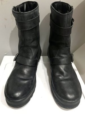 COUGAR- WOMEN MID CAP LEATHER BOOTS for Sale in Maryland City, MD