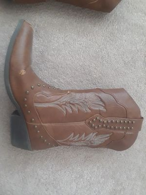Boots 8 cowboy style brown women's size 8 for Sale in Placentia, CA