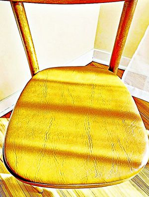 Wooden Shelby Williams Industries MCM chairs (4) with leather seat cushion. for Sale in Johns Creek, GA