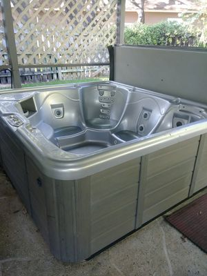 SPA / HOT TUB. 110 or 220 volt for Sale in Austin, TX