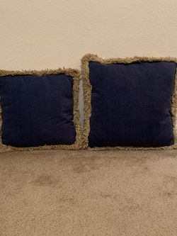 Matching Throw Pillows for Sale in Waco,  TX