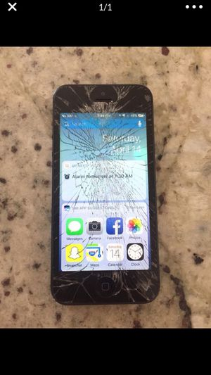 iPhone 5 s 16 gb unlocked for Sale in Sheridan, CO