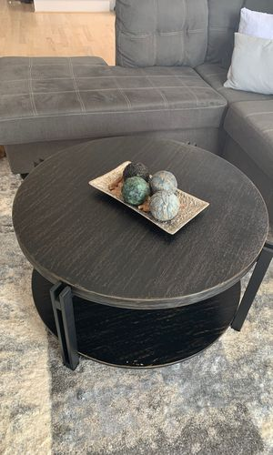 Coffee table and decoration! for Sale in Houston, TX