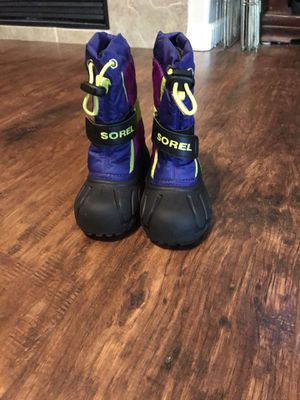 Toddler/kids snow boots, Sorel snow boots for Sale in Sacramento, CA