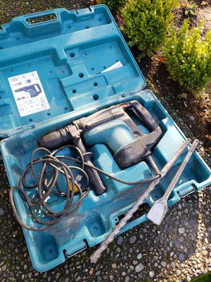 Makita AVT rotary hammer with manual, case and two bits for Sale in Federal Way, WA