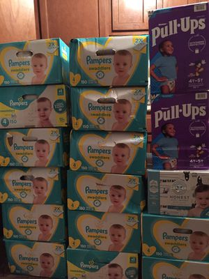 Pampers swaddler size 4 for Sale in Columbus, OH