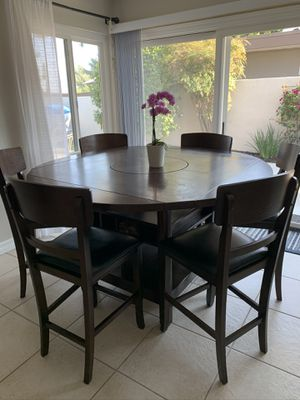 Kitchen/dining table and chairs for Sale in Laguna Beach, CA