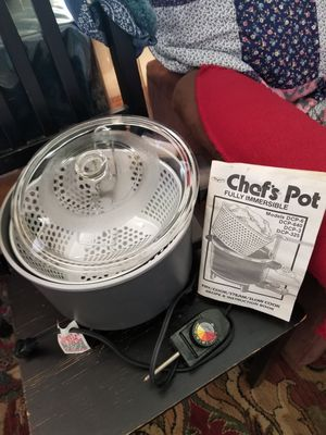 Chef's pot. Fry..cook...steam...slow cook.. for Sale in Alhambra, CA
