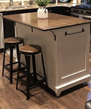 New Kitchen island w/stools for Sale in McDonough, GA