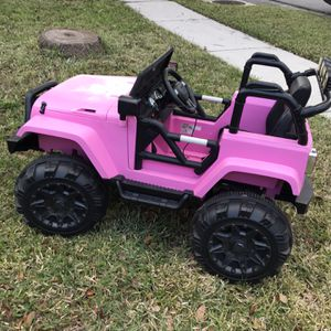 Kids Motorized Jeep. Works Beautifully. Plays Radio / USB For Phone And Much More. Delivery 🚚 Available For Fee for Sale in Brandon, FL
