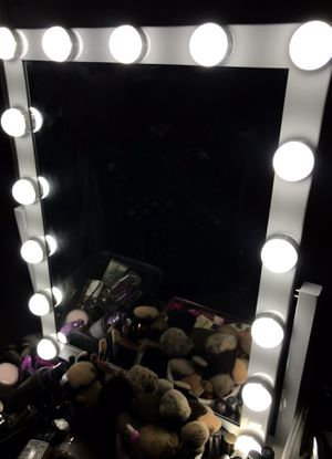 15 bulb Makeup Vanity for Sale in Azusa, CA