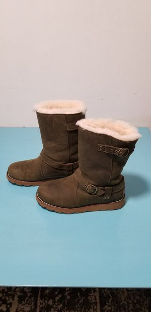 UGG BOOTS WOMEN for Sale in Miami, FL