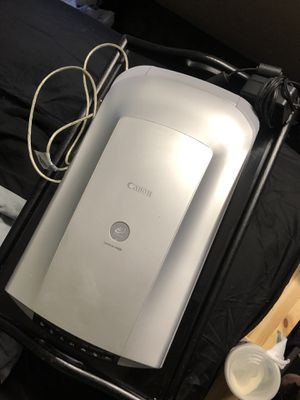 Canon CanoScan Photo Scanner and Negative Film Roll Scanner 35MM for Sale in Anaheim, CA