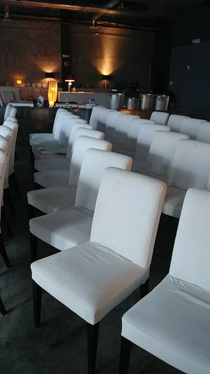 923 BRICKELL AVE 10am-4pm SUN WHITE CHAIRS WITH WASHABLE COVERS for Sale in Miami, FL