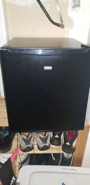 Mini refrigerator for Sale in Eugene, OR