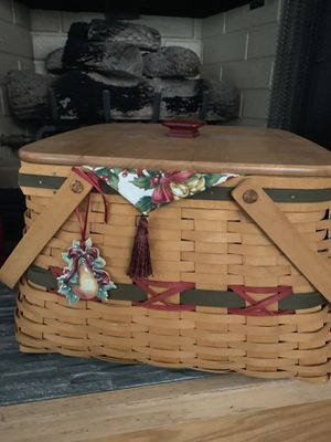 Longaberger Holiday Basket-Large for Sale in Newport Beach, CA