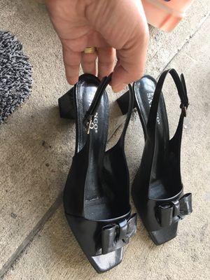 Women's sandal size 8m for Sale in Dallas, TX