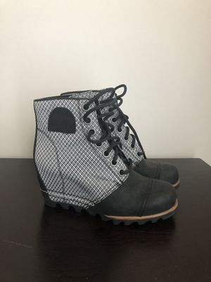 SOREL Wedge Boots - Women's. Size 6 for Sale in Fairfax, VA
