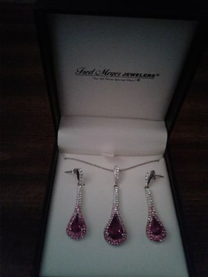 Crystal necklace and earing set. for Sale in Portland, OR