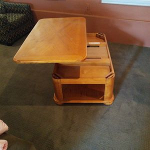 Lift Top Coffee Table for Sale in Bend, OR