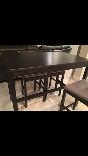 Brand new kitchen table I bought it three days ago but doesn't fit where we want it The table is approximately 46long /30 wide /37 hight Also includ for Sale in Miami, FL