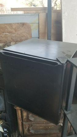 Mini fridge for Sale in San Angelo,  TX