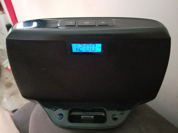 Memorex MI3021BLK Compact Audio Speaker System for iPod with Clock Function
