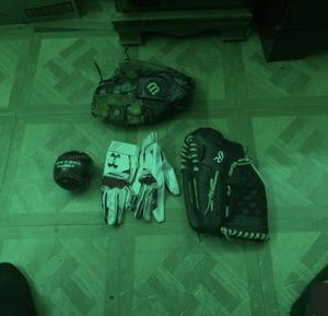 Softball gear for Sale in Bakersfield, CA