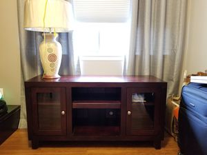 Console table/TV media table with Lamp for Sale in Columbia, MD