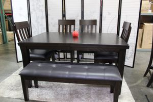 6 PC Dining Set with Extendable Dining Table, Brown for Sale in Pico Rivera, CA