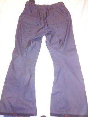 Men's Vans xl snowboarding pants for Sale in Wichita, KS