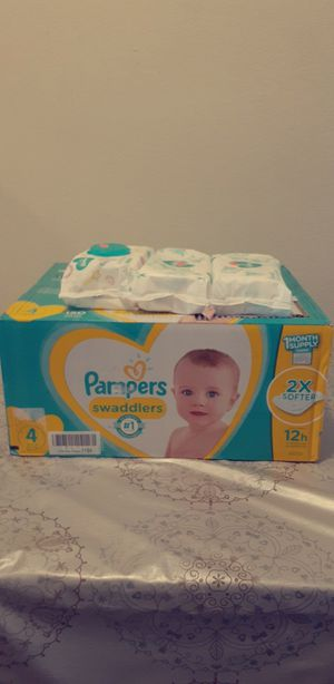 Huge brand new Baby diapers size 4 and 3 packs of Pampers wipes for Sale in Los Angeles, CA