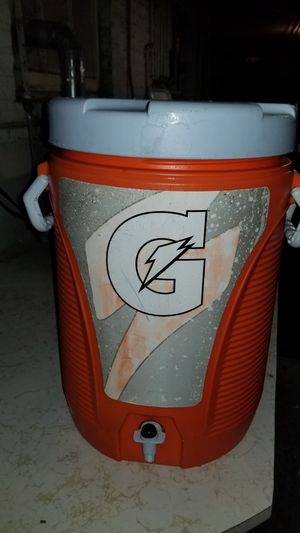 Gatorade 5 gallons insulated cooler for Sale in Chicago, IL