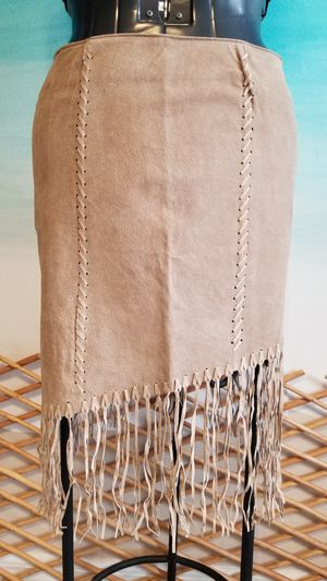 Asymmetrical Suede Skirt w fringe. SZ 9 for Sale in Melbourne, FL