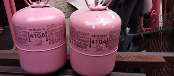 Freon 410a ,2 25# bottles, 1 new sealed, 1 open 23-24# if up still available, pickup only for Sale in Chicago,  IL