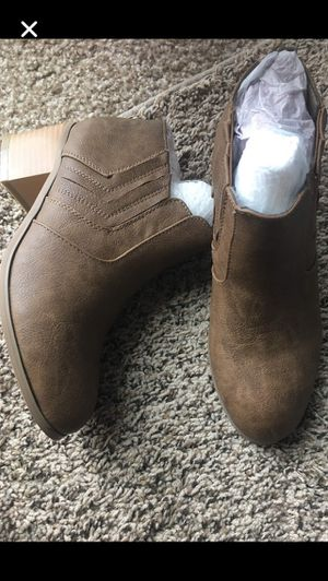 Brand new women booties size 6. Please only serious buyers for Sale in West Valley City, UT