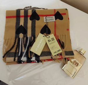 Burberry Cashmere Hearth Black Scarf for Sale in Katy, TX
