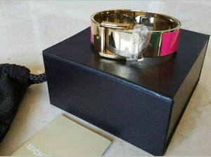 NEW MICHAEL KORS WIDE HOT PINK ENAMEL GOLD HINGE BELT BUCKLE BANGLE BRACELET for Sale in Barrington, IL